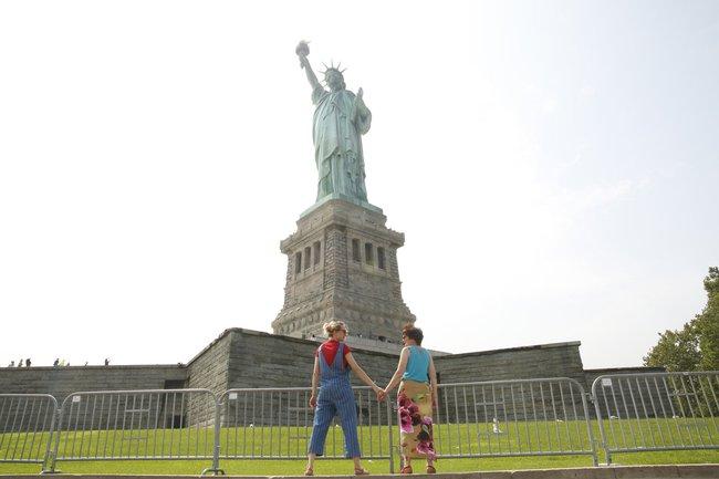 Cô gái xinh đẹp quyết định nghỉ việc để nắm tay mẹ đi khắp thế gian - Ảnh 8.