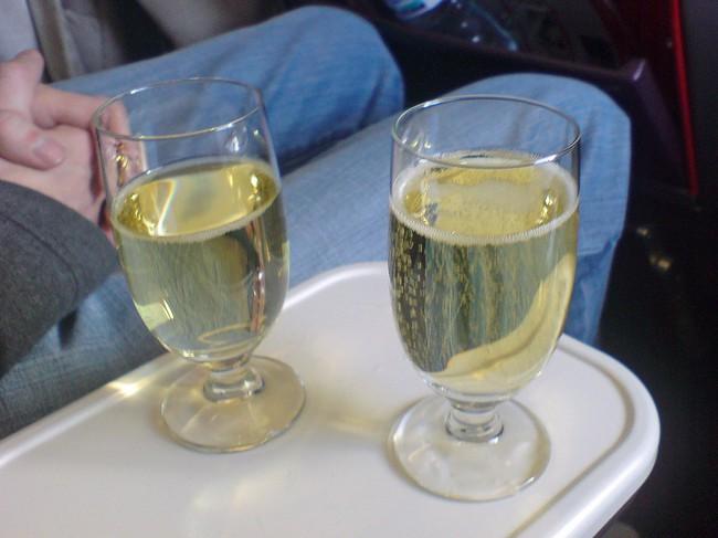 8 thứ miễn phí cho hành khách trên máy bay có thể bạn chưa biết - Ảnh 4.