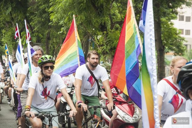 Cộng đồng LGBT Hà Nội tưng bừng đạp xe diễu hành trong ngày hội Viet Pride - Ảnh 5.