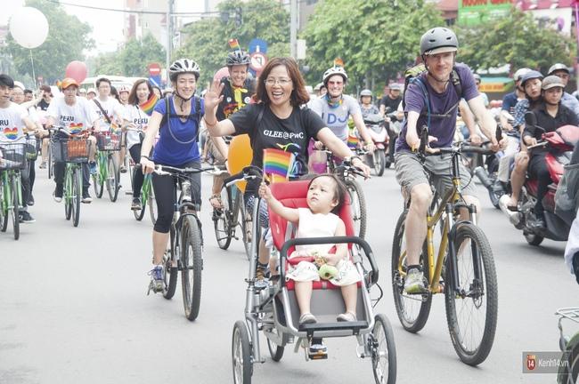 Cộng đồng LGBT Hà Nội tưng bừng đạp xe diễu hành trong ngày hội Viet Pride - Ảnh 6.