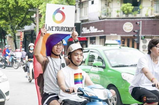 Cộng đồng LGBT Hà Nội tưng bừng đạp xe diễu hành trong ngày hội Viet Pride - Ảnh 9.