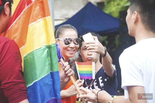Cộng đồng LGBT Hà Nội tưng bừng đạp xe diễu hành trong ngày hội Viet Pride - Ảnh 15.