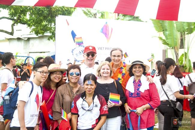 Cộng đồng LGBT Hà Nội tưng bừng đạp xe diễu hành trong ngày hội Viet Pride - Ảnh 12.