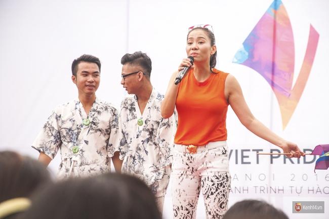 Cộng đồng LGBT Hà Nội tưng bừng đạp xe diễu hành trong ngày hội Viet Pride - Ảnh 14.