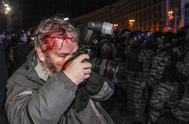Phóng viên ảnh - mồ hôi và máu đằng sau những vinh quang - Ảnh 2.