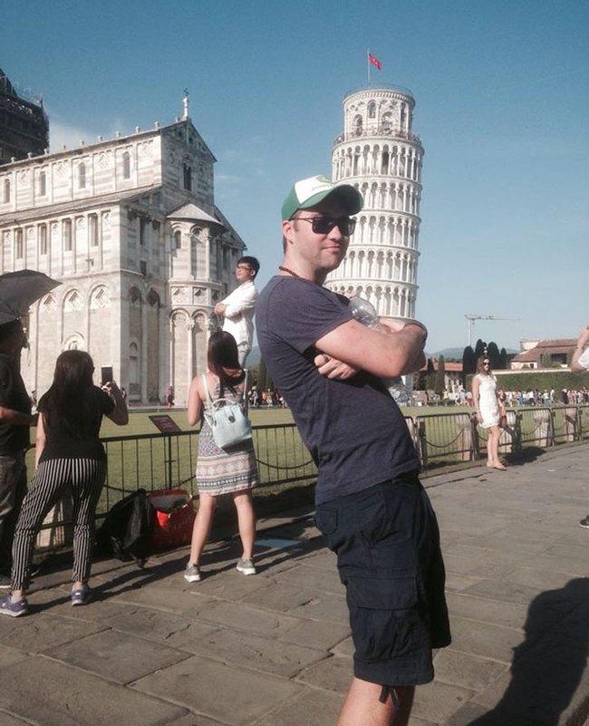 Đến quỳ anh chàng troll khách du lịch đang chụp ảnh với tháp nghiêng Pisa - Ảnh 7.
