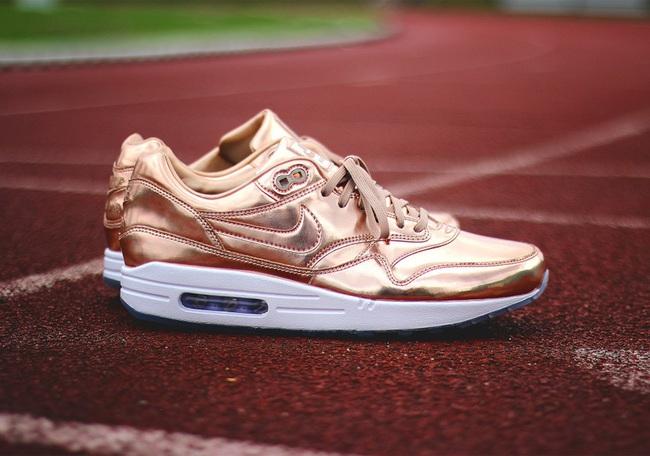 Lộ diện các mẫu giày thể thao mới ra mắt trung tuần tháng 8/2016 - Ảnh 6.