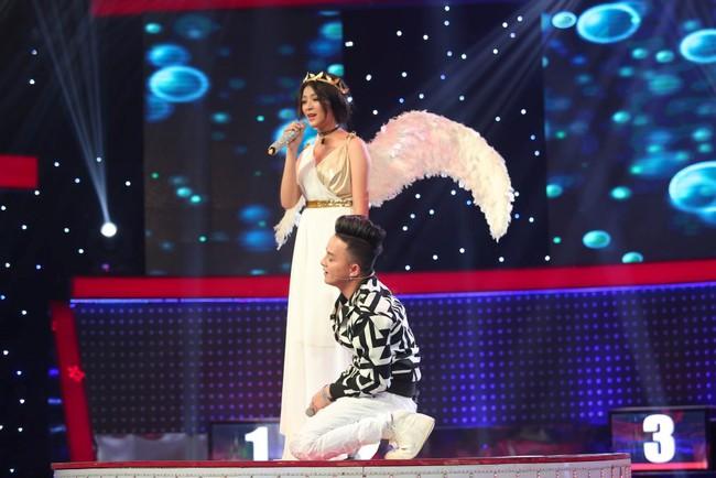 Hương Tràm, Cao Thái Sơn phát hiện ra 2 cô gái xinh đẹp mà hát dở thôi rồi! - Ảnh 6.