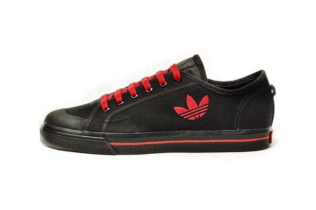 Bộ sưu tập sneaker đen huyền bí dành cho các boy - Ảnh 1.