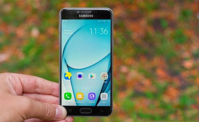 Đây là 5 chiếc smartphone giống iPhone dành cho những người... ghét Apple - Ảnh 2.