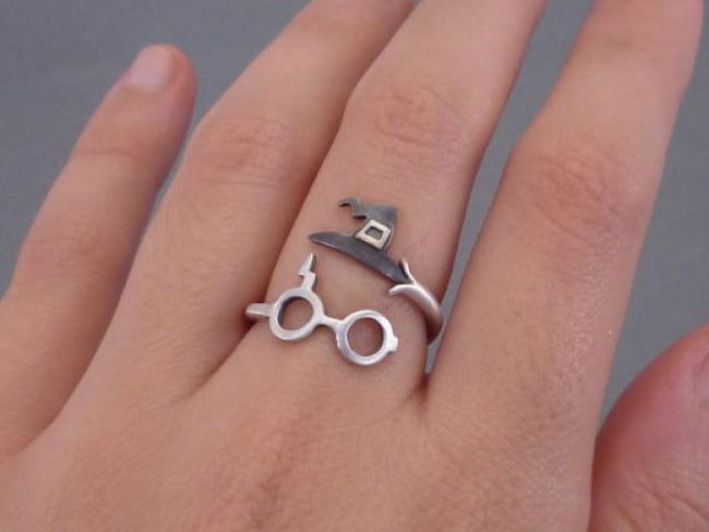 Bộ trang sức Harry Potter đưa bạn đến với thế giới phù thủy kỳ bí - Ảnh 16.