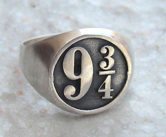 Bộ trang sức Harry Potter đưa bạn đến với thế giới phù thủy kỳ bí - Ảnh 14.