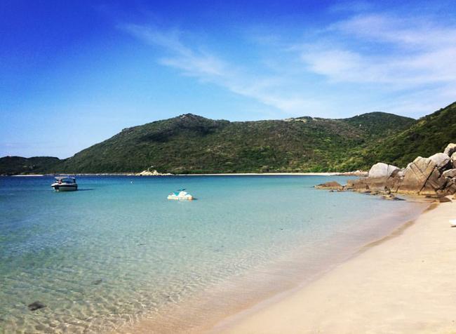 Cần chi đi đâu xa, ở Việt Nam cũng có những vùng biển đẹp không thua gì Maldives! - Ảnh 24.