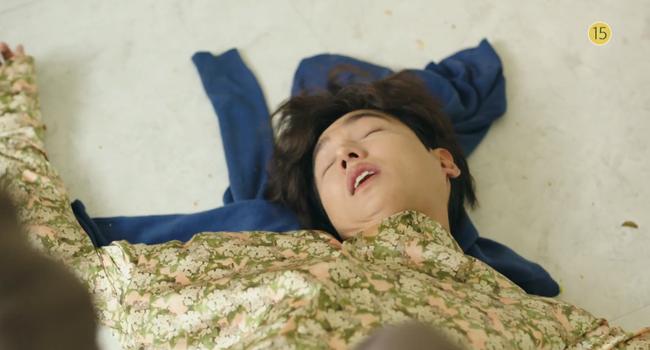 Blue Sea: Jeon Ji Hyun vừa lên cạn đã đảo lộn cuộc đời Lee Min Ho - Ảnh 11.