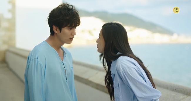 Blue Sea: Jeon Ji Hyun vừa lên cạn đã đảo lộn cuộc đời Lee Min Ho - Ảnh 5.