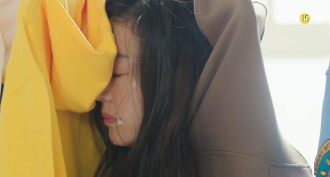 Blue Sea: Jeon Ji Hyun vừa lên cạn đã đảo lộn cuộc đời Lee Min Ho - Ảnh 10.