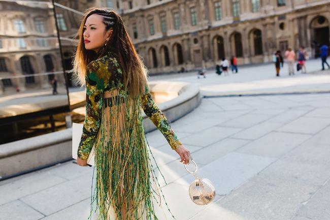 Ngưỡng mộ với cô gái Việt siêu chất, nổi bật ở tuần lễ thời trang Paris - Ảnh 8.