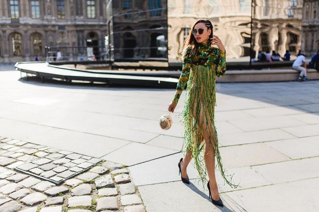 Ngưỡng mộ với cô gái Việt siêu chất, nổi bật ở tuần lễ thời trang Paris - Ảnh 9.