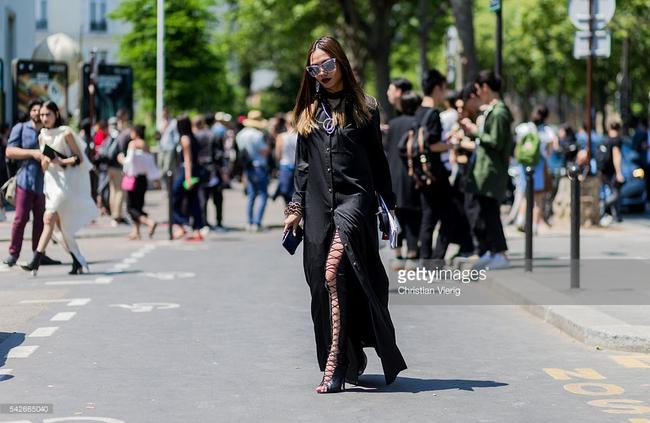 Ngưỡng mộ với cô gái Việt siêu chất, nổi bật ở tuần lễ thời trang Paris - Ảnh 13.