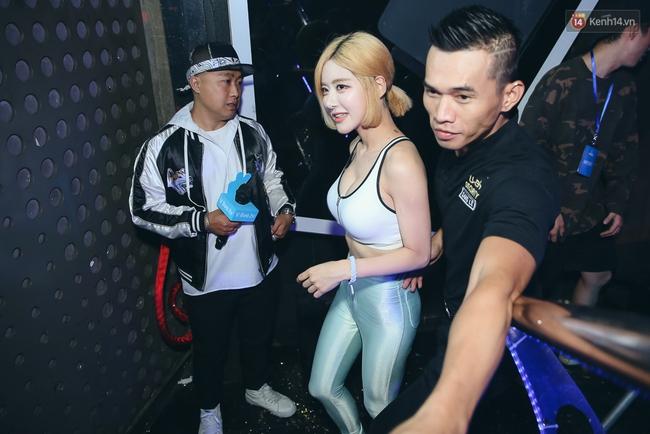 DJ SODA khoe body nóng bỏng, quẩy hết mình trong lần thứ hai trở lại Việt Nam - Ảnh 4.