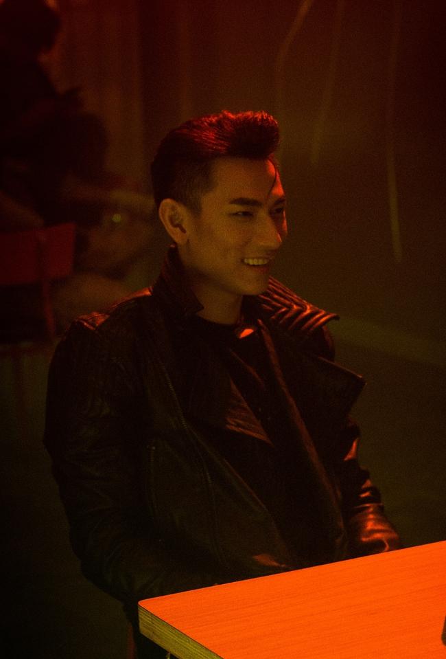 Isaac đẹp trai ná thở trong MV mới thay đổi sang hình tượng bad boy - Ảnh 9.