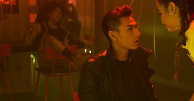 Isaac đẹp trai ná thở trong MV mới thay đổi sang hình tượng bad boy - Ảnh 10.
