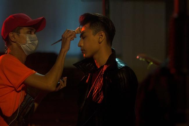 Isaac đẹp trai ná thở trong MV mới thay đổi sang hình tượng bad boy - Ảnh 5.