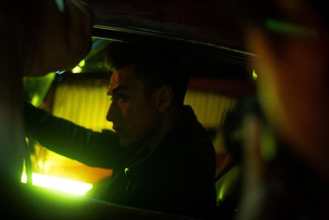 Isaac đẹp trai ná thở trong MV mới thay đổi sang hình tượng bad boy - Ảnh 4.
