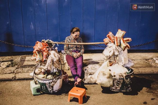 Giấc ngủ đêm của người lao động nghèo ở Sài Gòn chỉ có giá... vài nghìn đồng! - Ảnh 8.