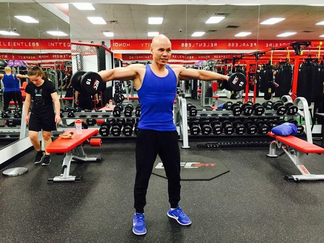 Ở tuổi 41, Phan Đình Tùng vẫn gây ấn tượng với thân hình 6 múi không thể chuẩn hơn! - Ảnh 5.