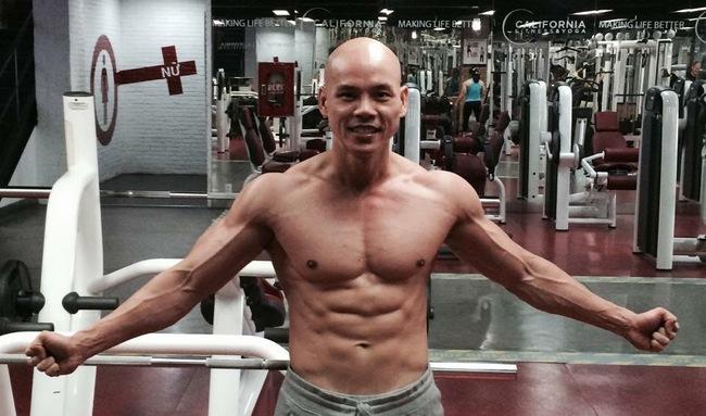 Ở tuổi 41, Phan Đình Tùng vẫn gây ấn tượng với thân hình 6 múi không thể chuẩn hơn! - Ảnh 7.