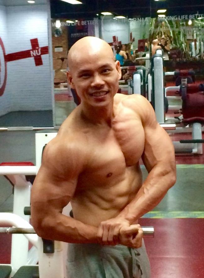 Ở tuổi 41, Phan Đình Tùng vẫn gây ấn tượng với thân hình 6 múi không thể chuẩn hơn! - Ảnh 9.