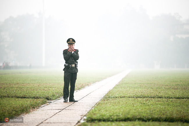 Chùm ảnh: Hà Nội ngày mù sương - Ảnh 9.