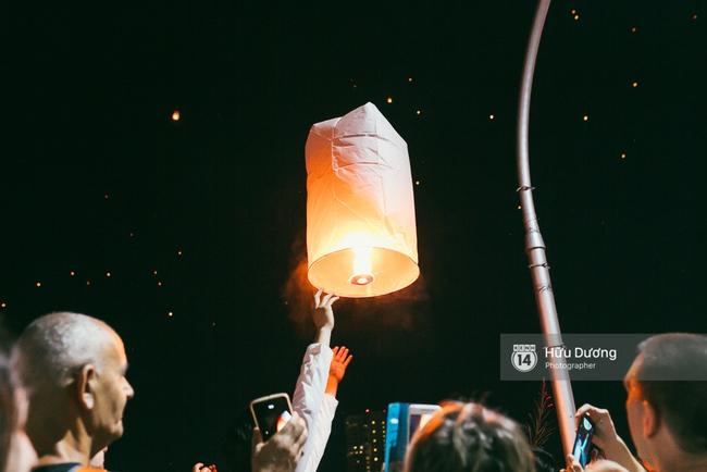 Có bạn nào đang ở Chiang Mai và vừa được ngắm hai lễ hội đèn trời tuyệt đẹp ở đây không? - Ảnh 16.