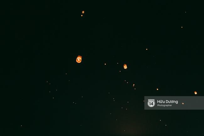 Có bạn nào đang ở Chiang Mai và vừa được ngắm hai lễ hội đèn trời tuyệt đẹp ở đây không? - Ảnh 19.