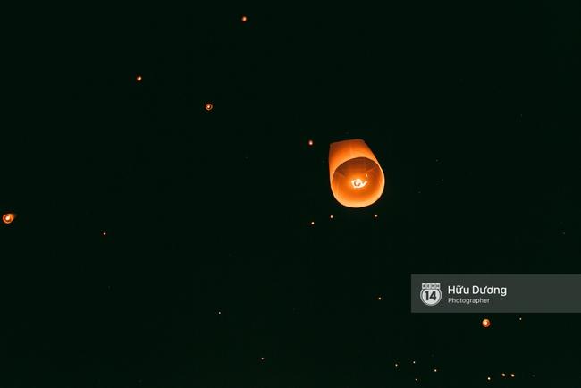 Có bạn nào đang ở Chiang Mai và vừa được ngắm hai lễ hội đèn trời tuyệt đẹp ở đây không? - Ảnh 18.