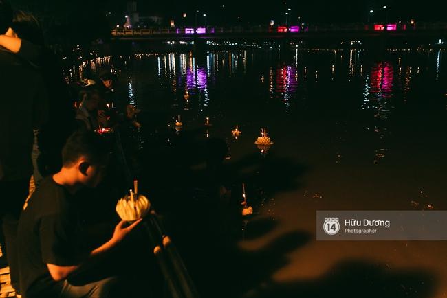 Có bạn nào đang ở Chiang Mai và vừa được ngắm hai lễ hội đèn trời tuyệt đẹp ở đây không? - Ảnh 10.