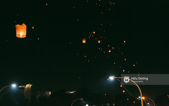 Có bạn nào đang ở Chiang Mai và vừa được ngắm hai lễ hội đèn trời tuyệt đẹp ở đây không? - Ảnh 20.