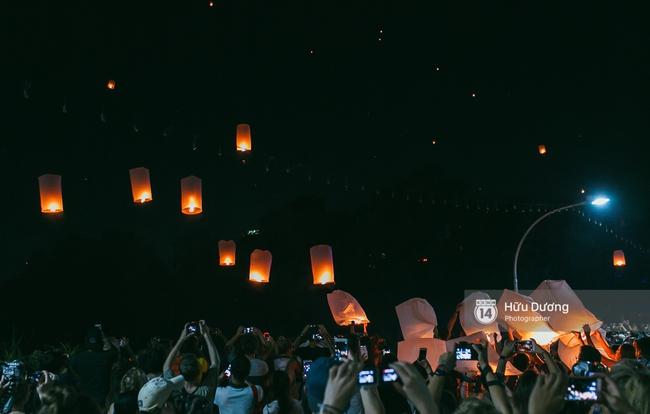 Có bạn nào đang ở Chiang Mai và vừa được ngắm hai lễ hội đèn trời tuyệt đẹp ở đây không? - Ảnh 1.