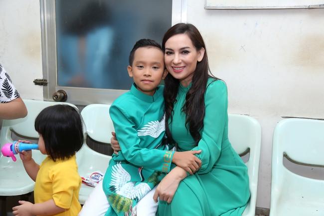 Hồ Văn Cường tất bật chạy show sau khi đăng quang Vietnam Idol Kids - ảnh 3