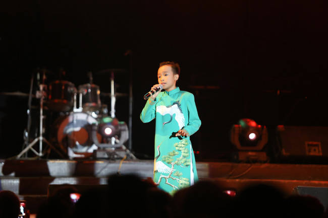 Hồ Văn Cường tất bật chạy show sau khi đăng quang Vietnam Idol Kids - ảnh 1