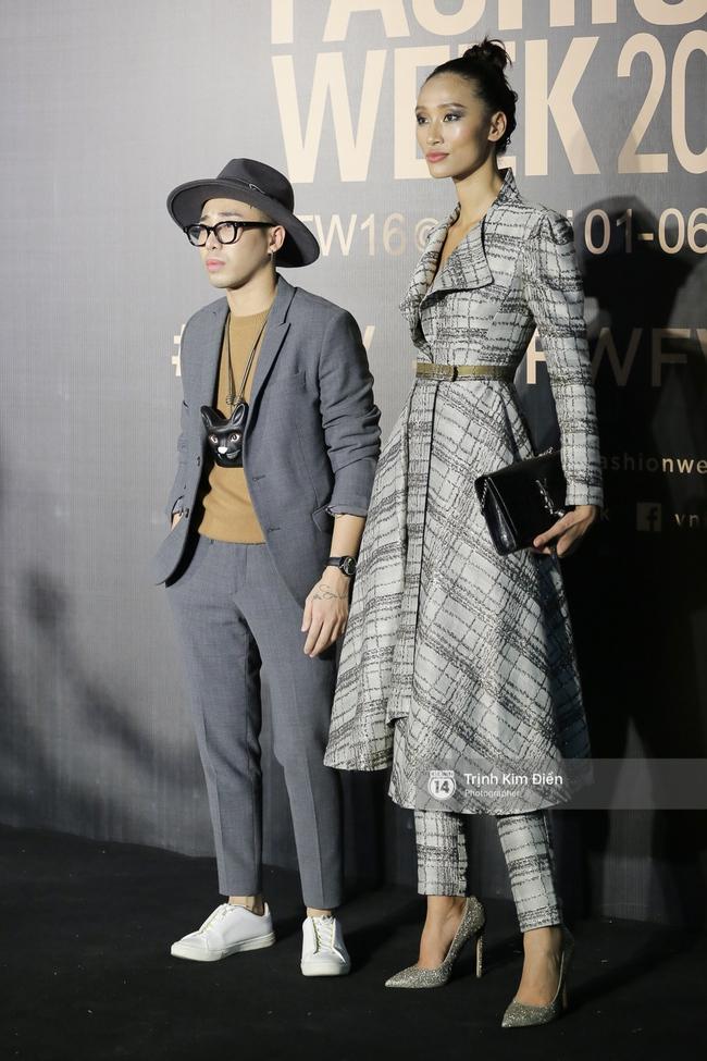 Vietnam International Fashion Week ngày cuối: Midu vẫn giữ style nữ tính trên thảm đỏ cùng dàn Hoa hậu, Á hậu - Ảnh 11.