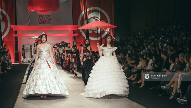 Gói gọn 6 ngày - 5 đêm của Vietnam International Fashion Week trong những khung hình tuyệt vời nhất!