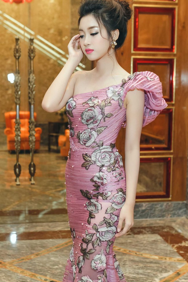 Hoa hậu Đỗ Mỹ Linh ngày càng quyến rũ, vợ chồng Đăng Khôi hạnh phúc dự sự kiện - Ảnh 3.