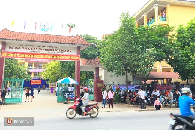 Gần 900.000 thí sinh làm thủ tục chính thức bước vào kỳ thi THPT Quốc gia - Ảnh 28.