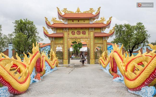 Cập nhật: Khung cảnh nhà thờ Tổ trị giá 100 tỷ của Hoài Linh - Ảnh 2.