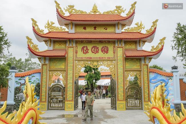Cập nhật: Khung cảnh nhà thờ Tổ trị giá 100 tỷ của Hoài Linh - Ảnh 3.