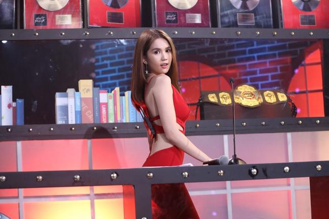 Ngọc Trinh sexy làm host bên Trấn Thành trong show truyền hình mới - Ảnh 15.