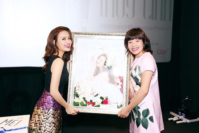 Hoàng Thùy Linh mừng sinh nhật sớm, cùng fan xem trước MV mới - Ảnh 9.