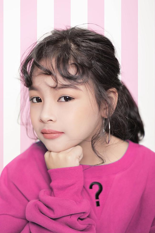 Cô bé 10 tuổi người Việt với phong cách thời trang không kém gì fashionista nhí nước ngoài - Ảnh 10.